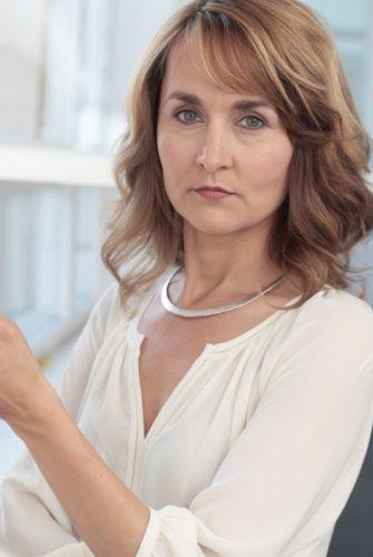 Dr. Astrid Steinmetz – Dipl. Musiktherapeutin, Dipl. Sozialpädagogin, KoW®-Entwicklerin/Begründerin