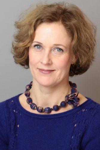 Elena Leniger – Gestalttherapeutin, Heilpraktikerin für Psychotherapie, Künstlerisch-systemische Therapeutin